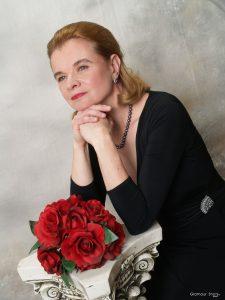 Lydia Artymiw, Pianist